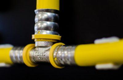 Instalação de redes de gás, água, hidrante, esgoto, calhas, água pluvial e etc.